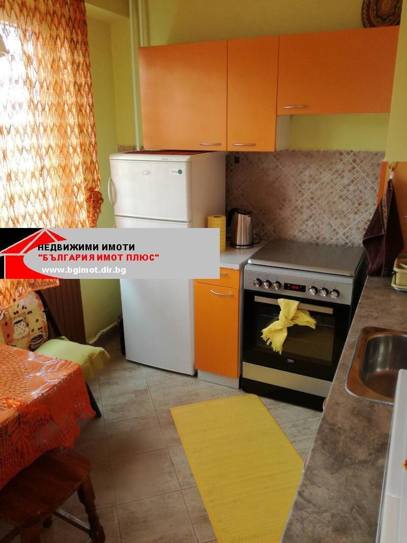 Rent 1-bedroom  Sofia - Razsadnika 80m²