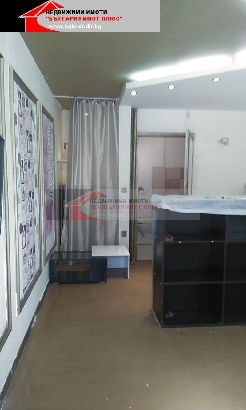 Rent Office in a residential building Sofia - Lyulin - 8 40m²