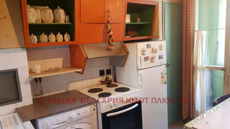 Rent 2-bedroom  Sofia - Meditzinska Akademia 98m²