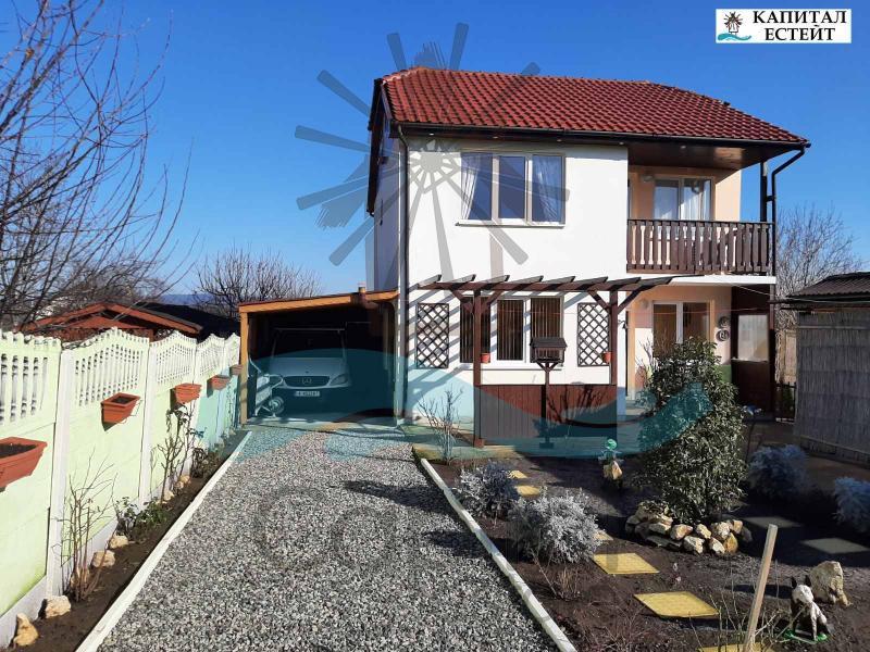 Къща на два етажa за продажба в село Александрово, обл.Бургас