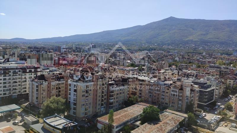 Продажба 3-стаен гр. София - Борово 75m²
