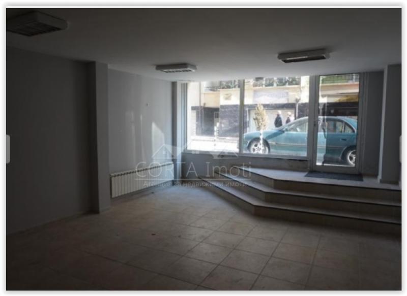 Продажба магазини и супермаркети гр. София - Медицинска Академия (кв. Крива Река) 126m²