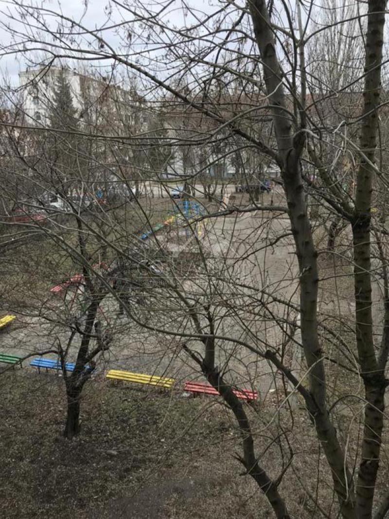 Продажба 1-стаен гр. София - Красна Поляна 1 50m²