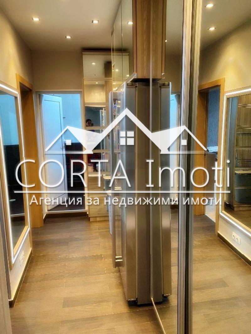 Продажба 3-стаен гр. София - Илинден 67m²