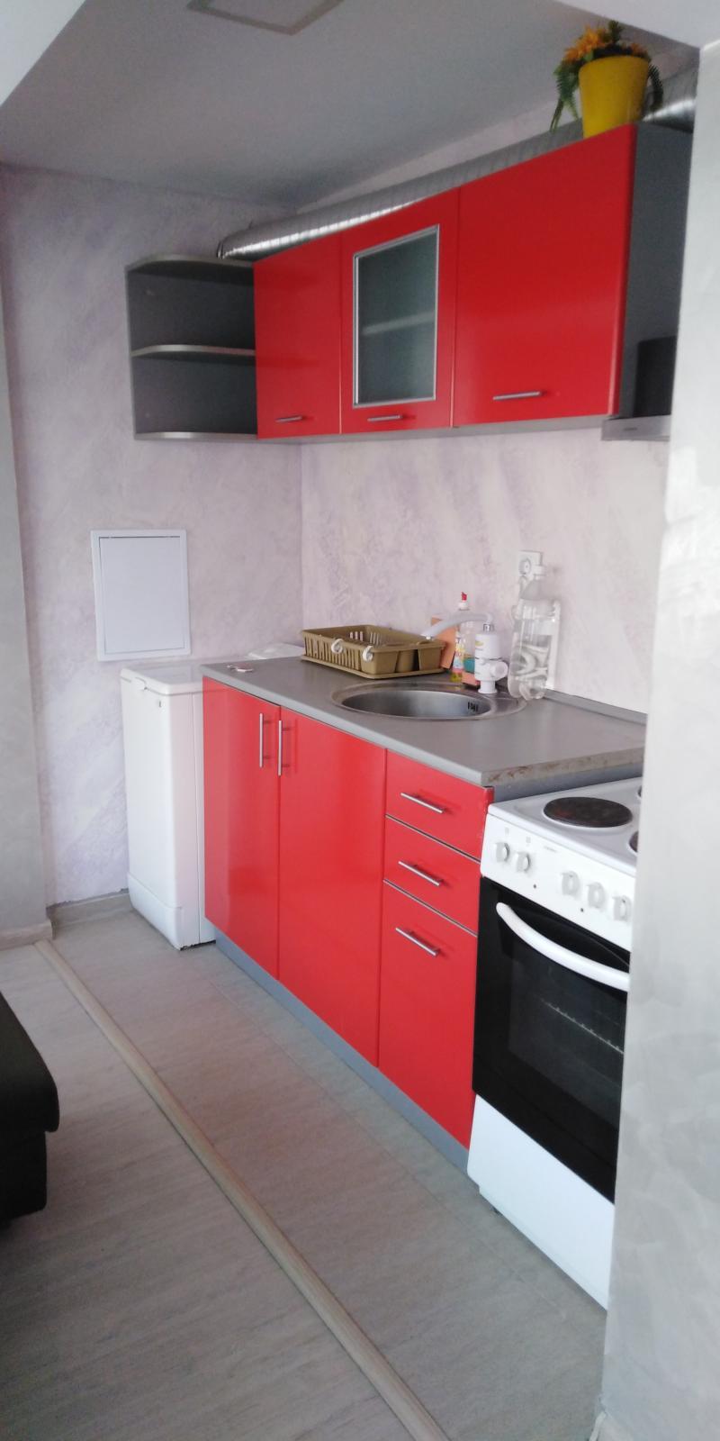 1-стаен, Бургас,<br />Лазур, 49 м², 300 лв<br /><label>отдава</label>