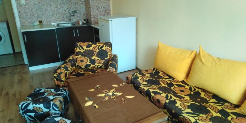Лазур,две стаи,нова тухла,обзаведен
