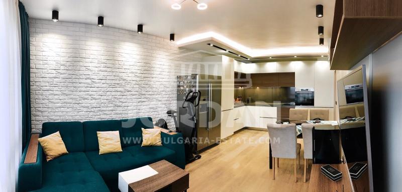 2-стаен, Варна,<br />м-т Кабакум, 62 м², 350 €<br /><label>отдава</label>
