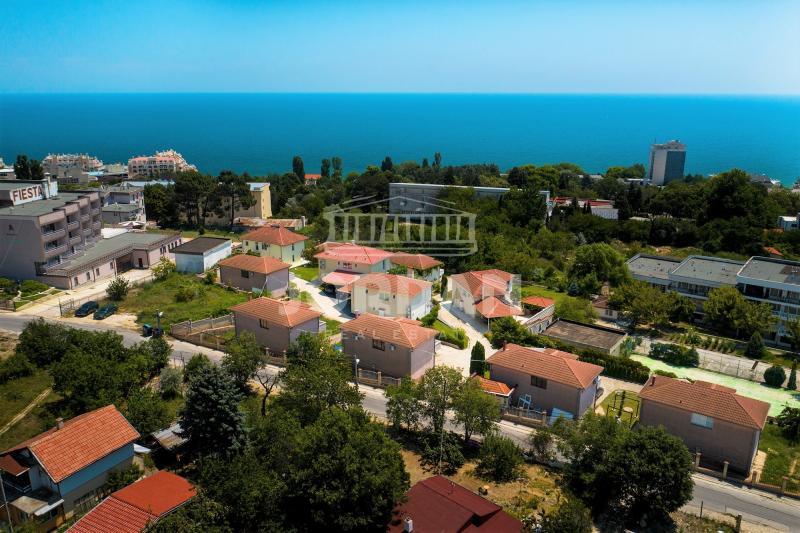 Satılık Ev Varna - Alen Mak 1032m²