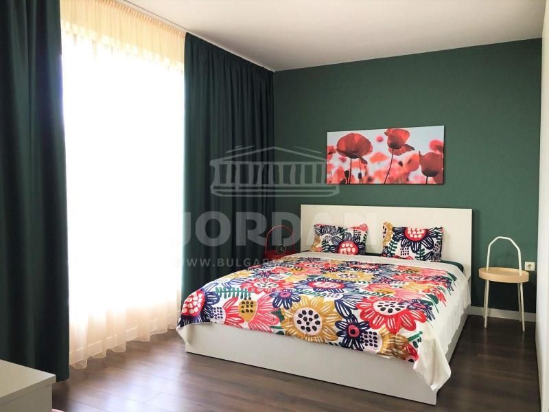 2-стаен, Варна,<br />м-т Траката, 74 м², 350 €<br /><label>отдава</label>
