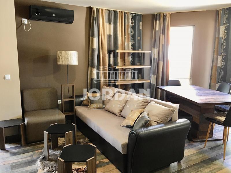 Rent 2-bedroom  Varna - Kolhozen Pazar 65m²