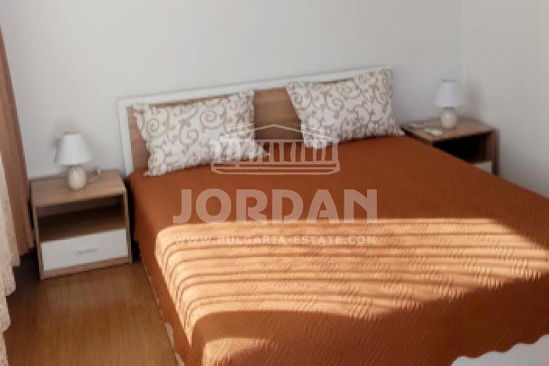 Двустаен апартамент  във  Варна за 600  лв - Дава под наем 2-стаен