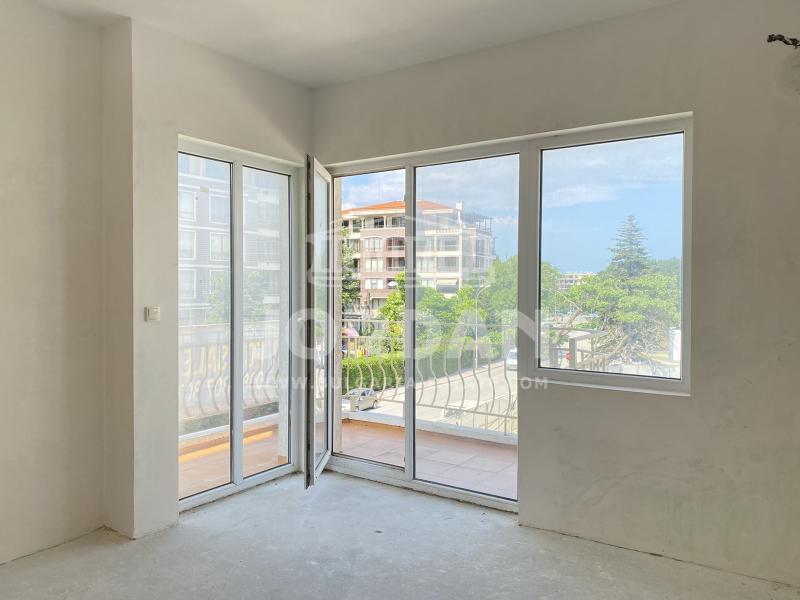 Sale 1-bedroom  Varna - Sv Konstantin and Elena 89m²