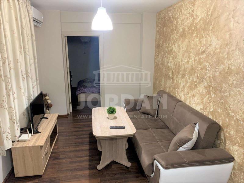 Sale 1-bedroom  Veliko Tarnovo - st. Bulgaria 37m²