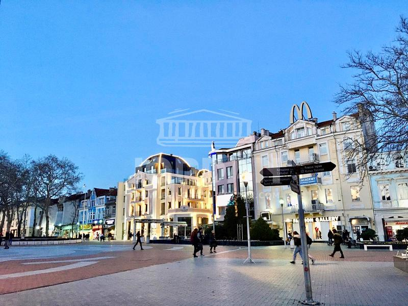 2-стаен, Варна,<br />Център, 66 м², 600 лв<br /><label>отдава</label>