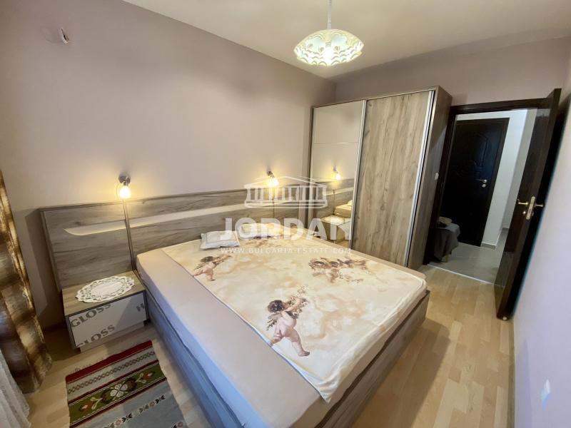 Rent 1-bedroom  Varna - Center 66m²