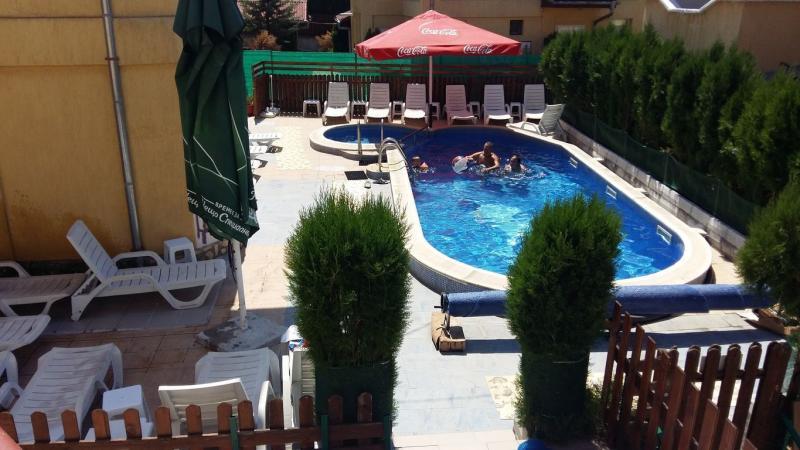 Продажба на хотелски комплекс с минерален басеин, с. Баня, Благоевградско