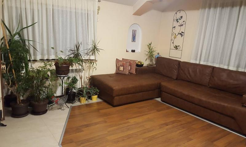 Sale 3-bedroom  Sofia - Bakston 133m²