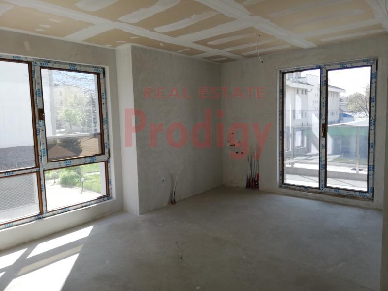 Sale 2-bedroom  Sofia - Bakston 90m²